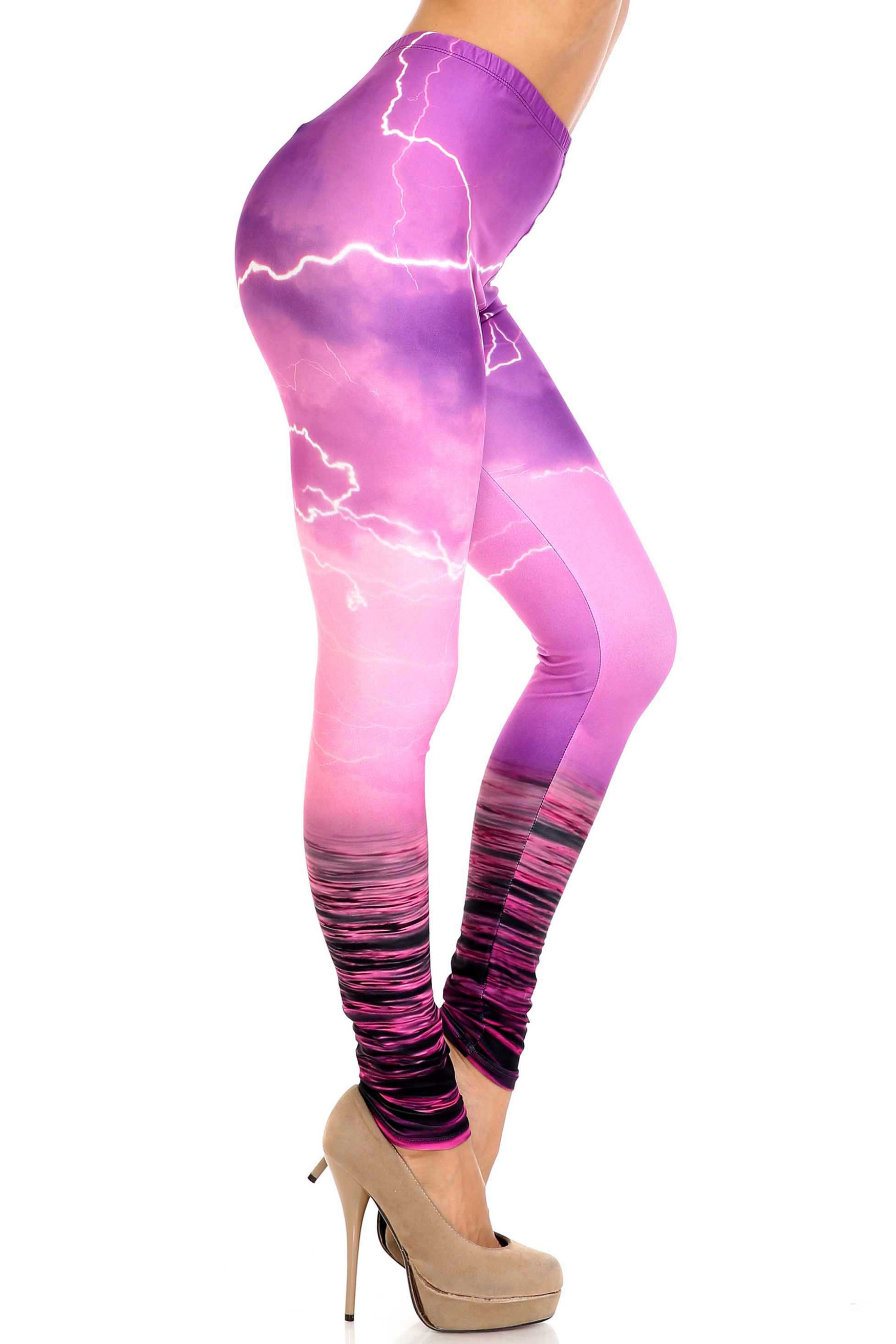 Creamy Soft Pink Lightning Storm Plus Size Leggings - USA Fashion™