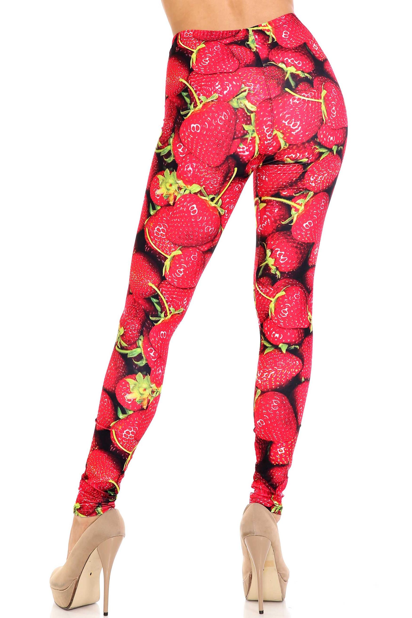 Creamy Soft Strawberry Plus Size Leggings - USA Fashion™