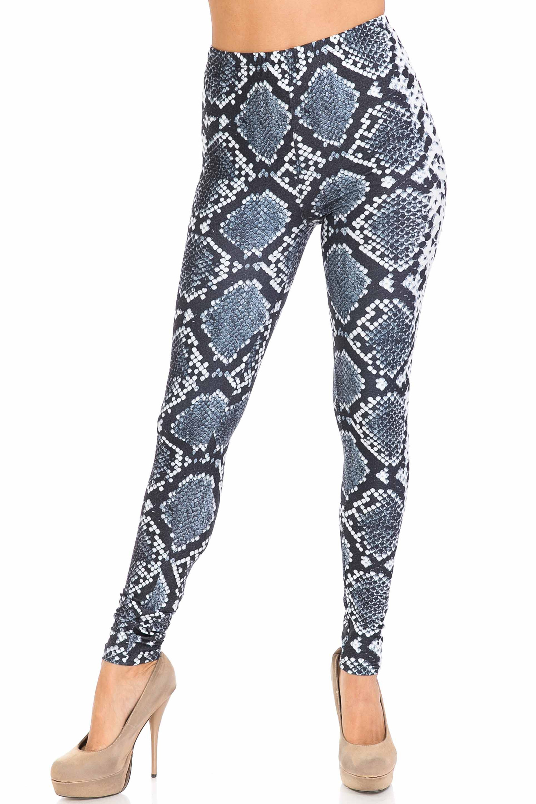 Front of Creamy Soft Steel Blue Boa Extra Plus Size Leggings - 3X-5X - USA Fashion™ with a fitted skinny leg and full length hem.