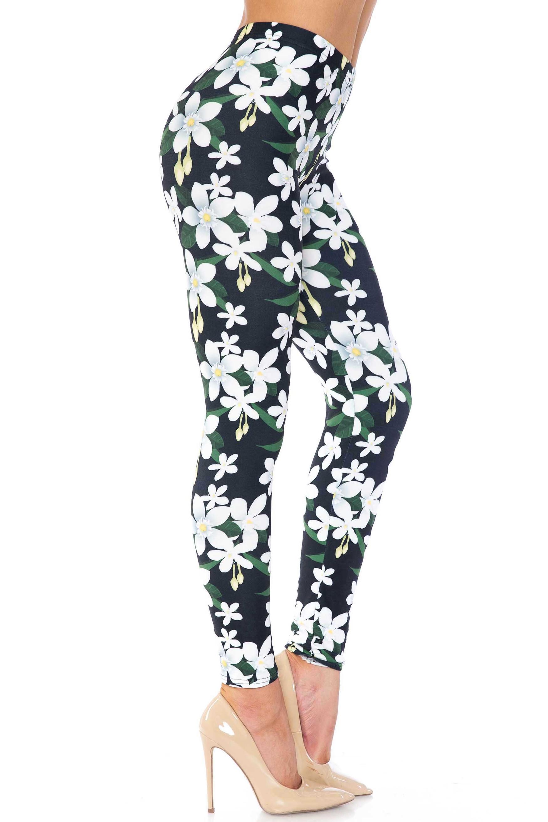 Creamy Soft Daisy Bloom Plus Size Leggings - USA Fashion™