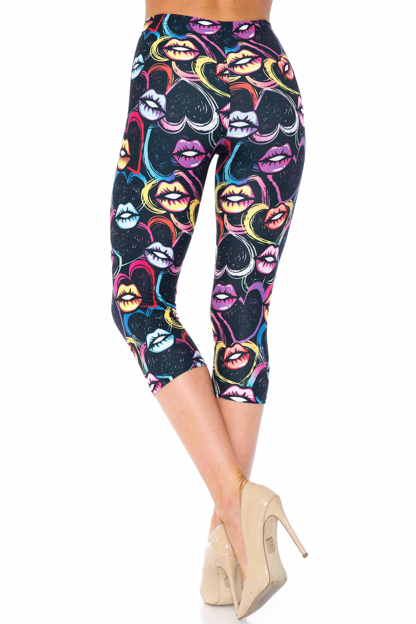 Creamy Soft Colorful Lips and Hearts Extra Plus Size Capris - USA Fashion™