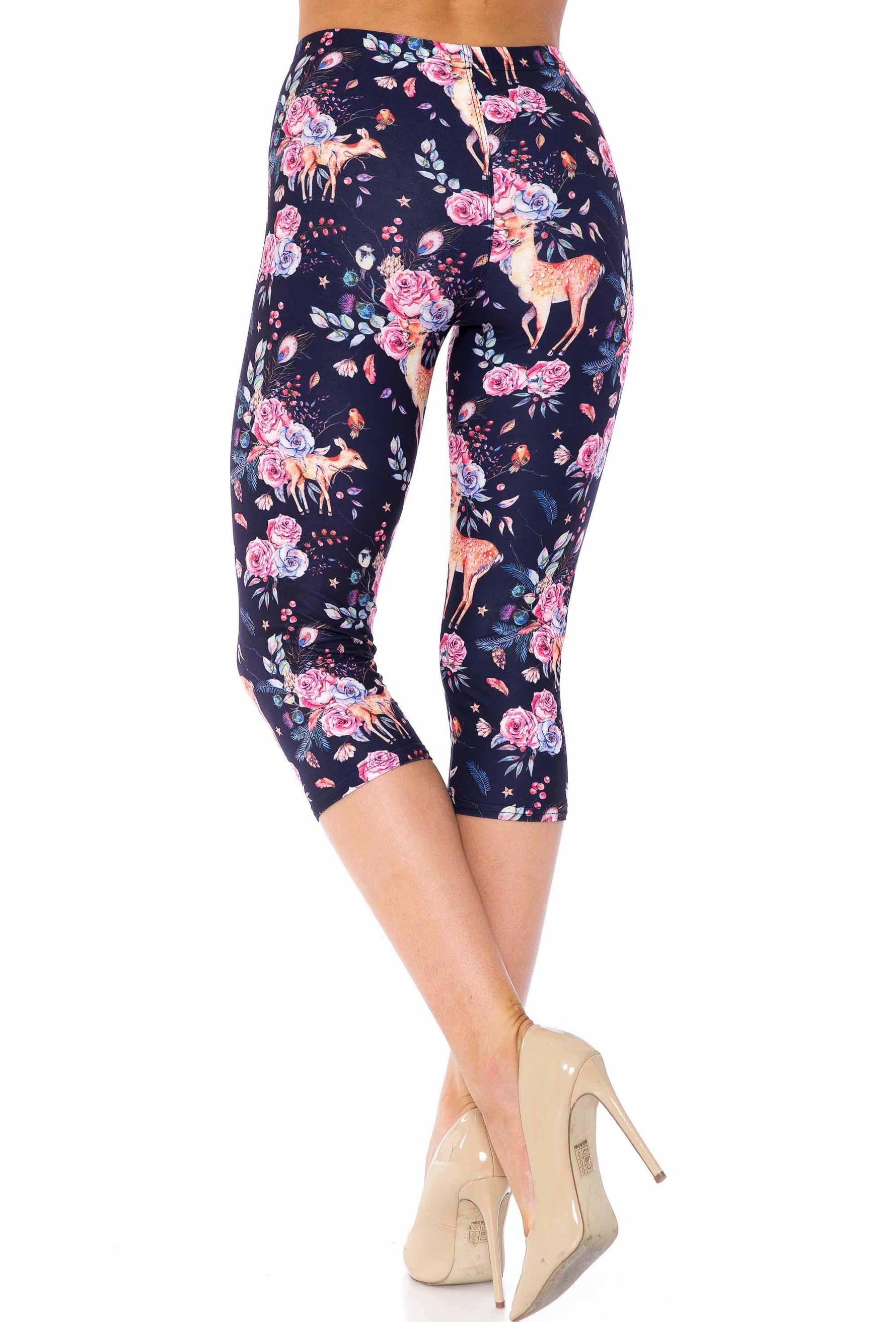Creamy Soft Woodland Floral Fawn Extra Plus Size Capris - USA Fashion™