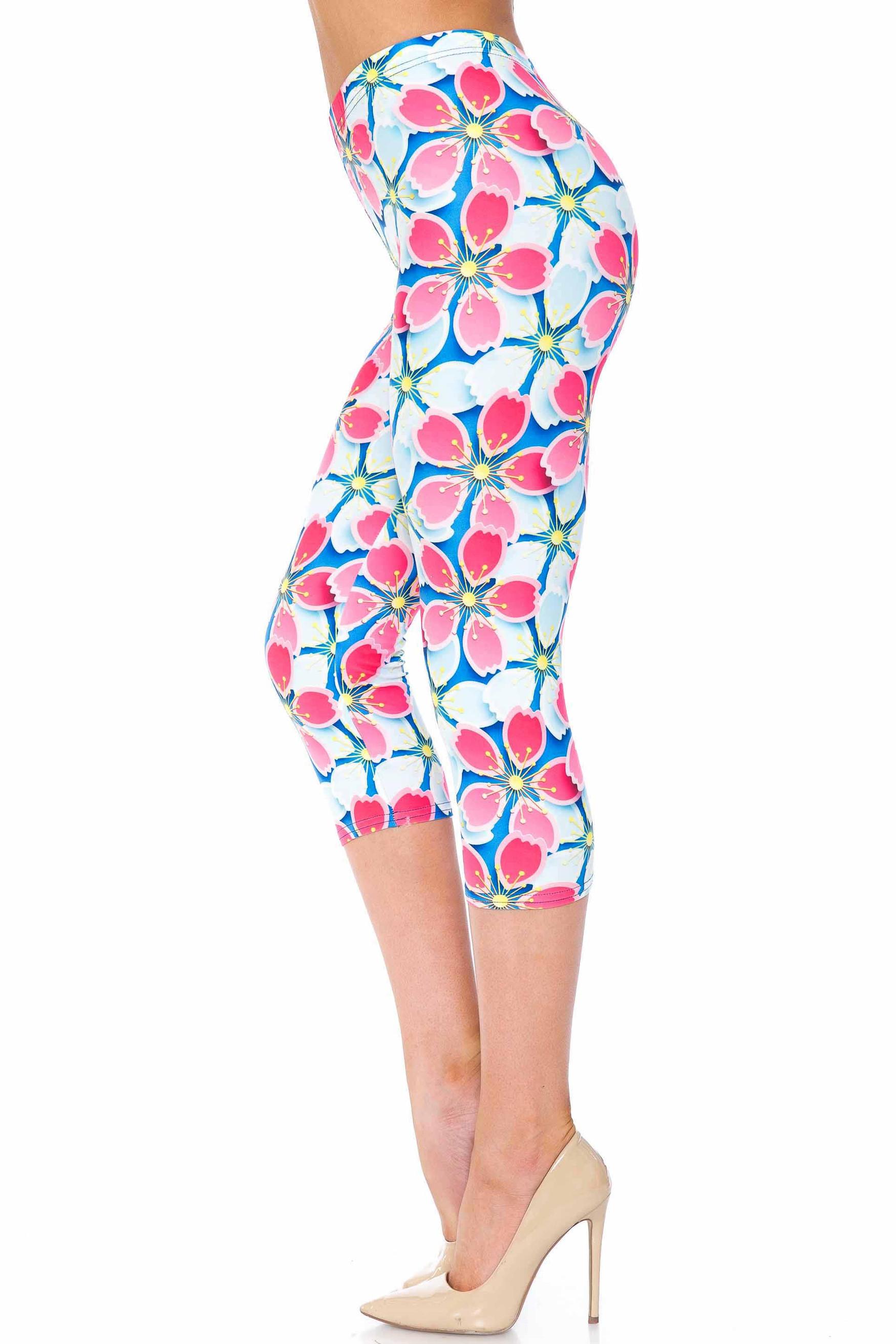 Creamy Soft Pink and Blue Sunshine Floral Plus Size Capris - USA Fashion™
