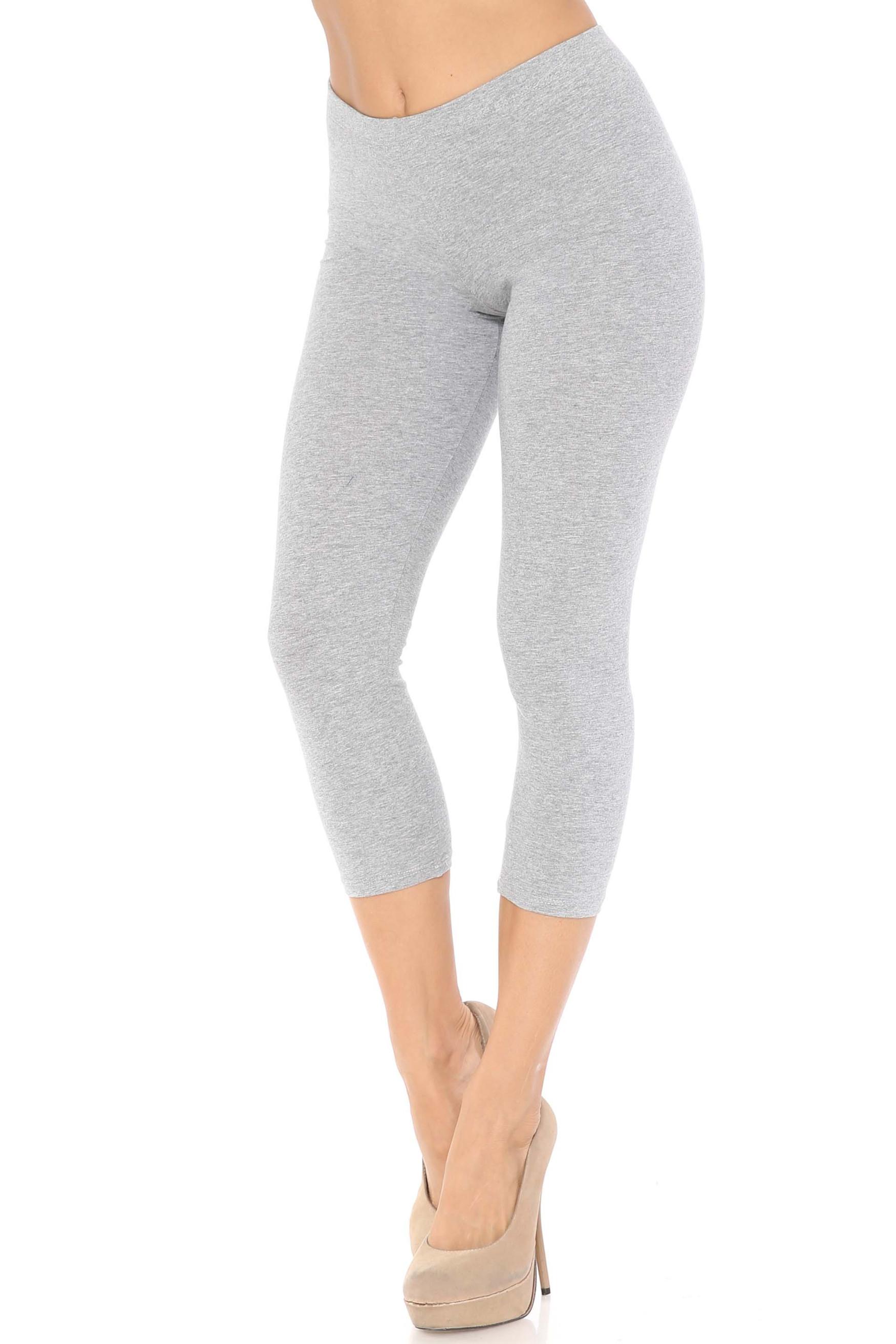 45 degree angle of heather gray USA Cotton Capri Length Leggings