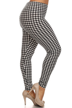 Right leg side image of Extra Plus Size White Houndstooth Leggings - 3X-5X
