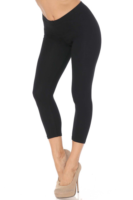 45 degree angle of black USA Cotton Capri Length Leggings