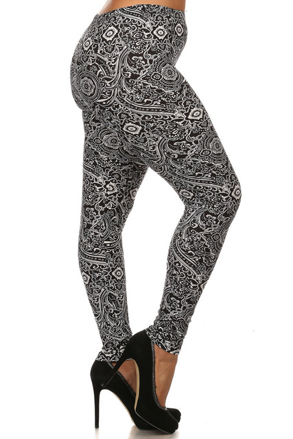 Ornate Floral Motif Leggings - Plus Size