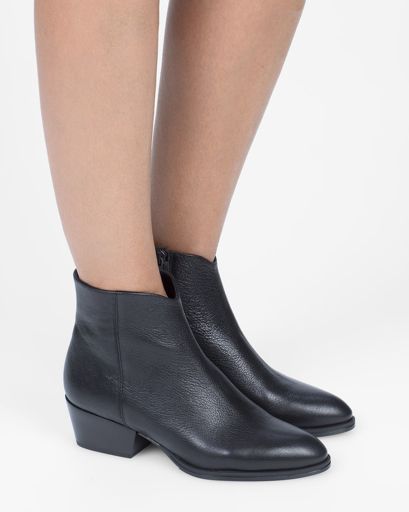 Bianca Buccheri Helga Boot