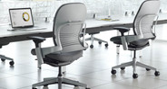 Natural Seat Glide technology moves forward as you lean back, promoting circulation and improving spinal health