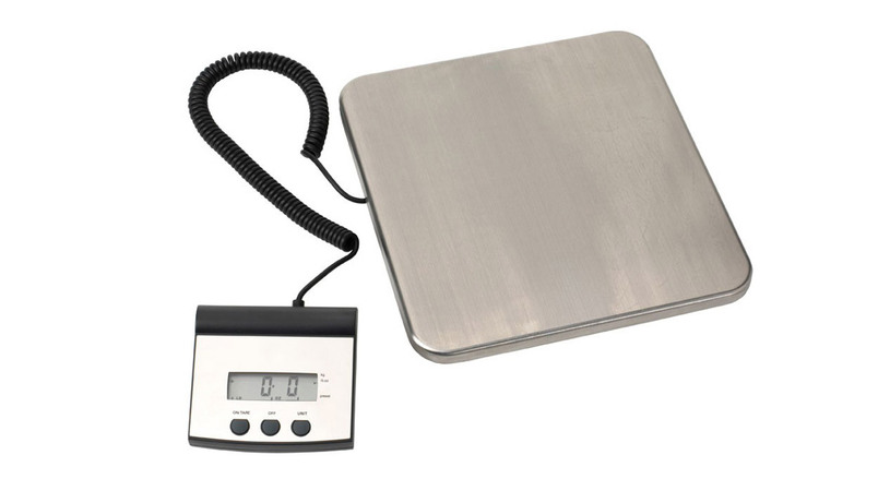 Has a weight capacity of 220 lb or 100 kg; measures in pounds, ounces, or kilograms