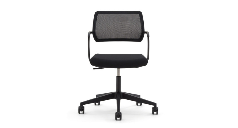 Pivoting backrest and optional gliding seat move automatically as you move