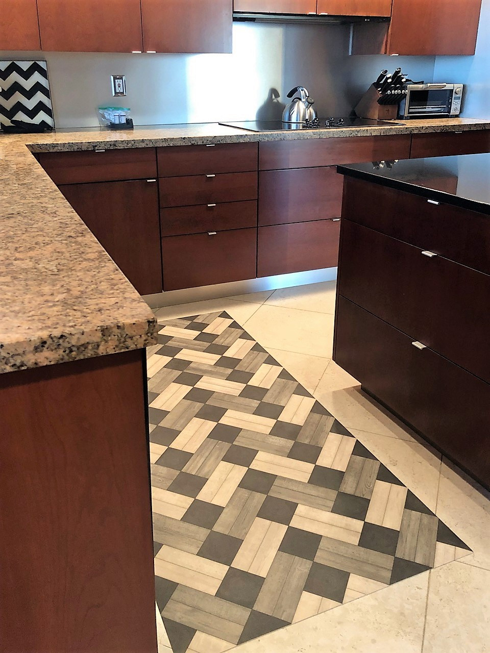 Pura Vida customer use of Ashbee vinyl floor cloth