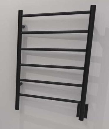 Jeeves J Straight Matte Black Heated Towel Rack 21.25 x 31.75 (ISMB)