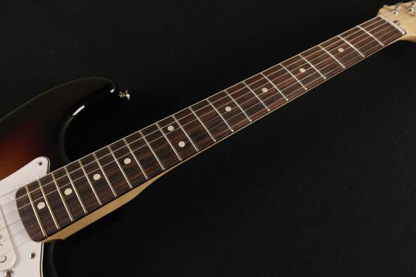 Fender Classic Series '70s Stratocaster - Rosewood Fingerboard - 3-Color Sunburst 3608