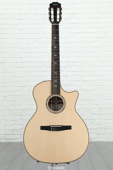 Taylor 814ce-N Grand Auditorium Nylon Cutaway Acoustic/Electric - Natural