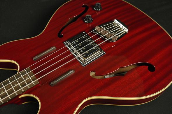 Guild Newark St. Collection Starfire Bass Cherry 379-2400-866 (167)