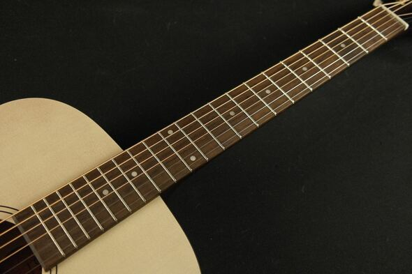 Art & Lutherie 045396 Legacy Faded Cream QIT 6 String Acoustic Electric Guitar 045396 (434)