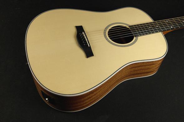 Seagull Guitars 048090 Maritime SWS Acoustic Electric Guitar, Natural