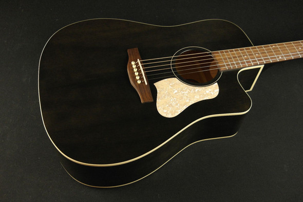 Art & Lutherie Americana Faded Black Cutaway QIT (588)