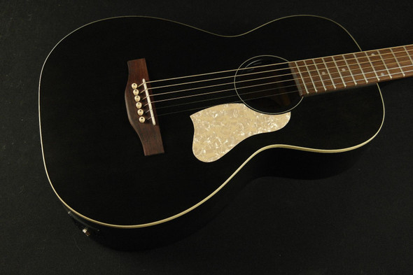 Art & Lutherie Roadhouse Parlor Acoustic/Electric - Faded Black (832)