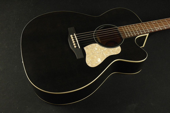 Art & Lutherie Legacy Concert Hall Cutaway - Faded Black QIT 876