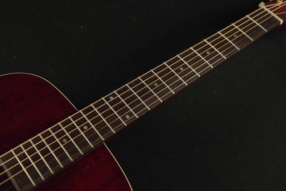 Art & Lutherie Americana Dreadnought - Tennesse Red (381)