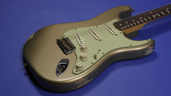 Fender Custom Shop 1963 Custom Stratocaster Relic - Faded Shoreline Gold
