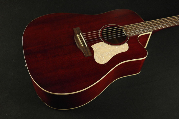 Art & Lutherie Americana Tennessee Red Cutaway QIT (522)