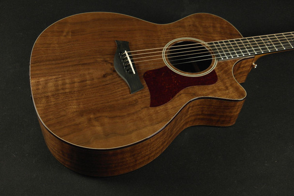 Taylor 524CE Limited Walnut NAMM Exclusive (003)