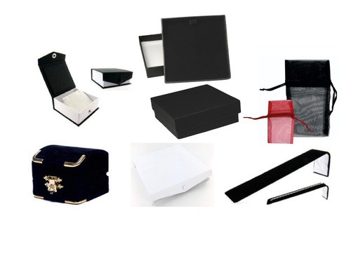 Wholesale Jewelry Packaging & Display Closeout Lot - 12 Piece
