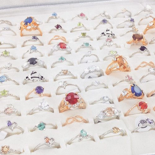 100 Piece Bulk Fashion Ring Assortment