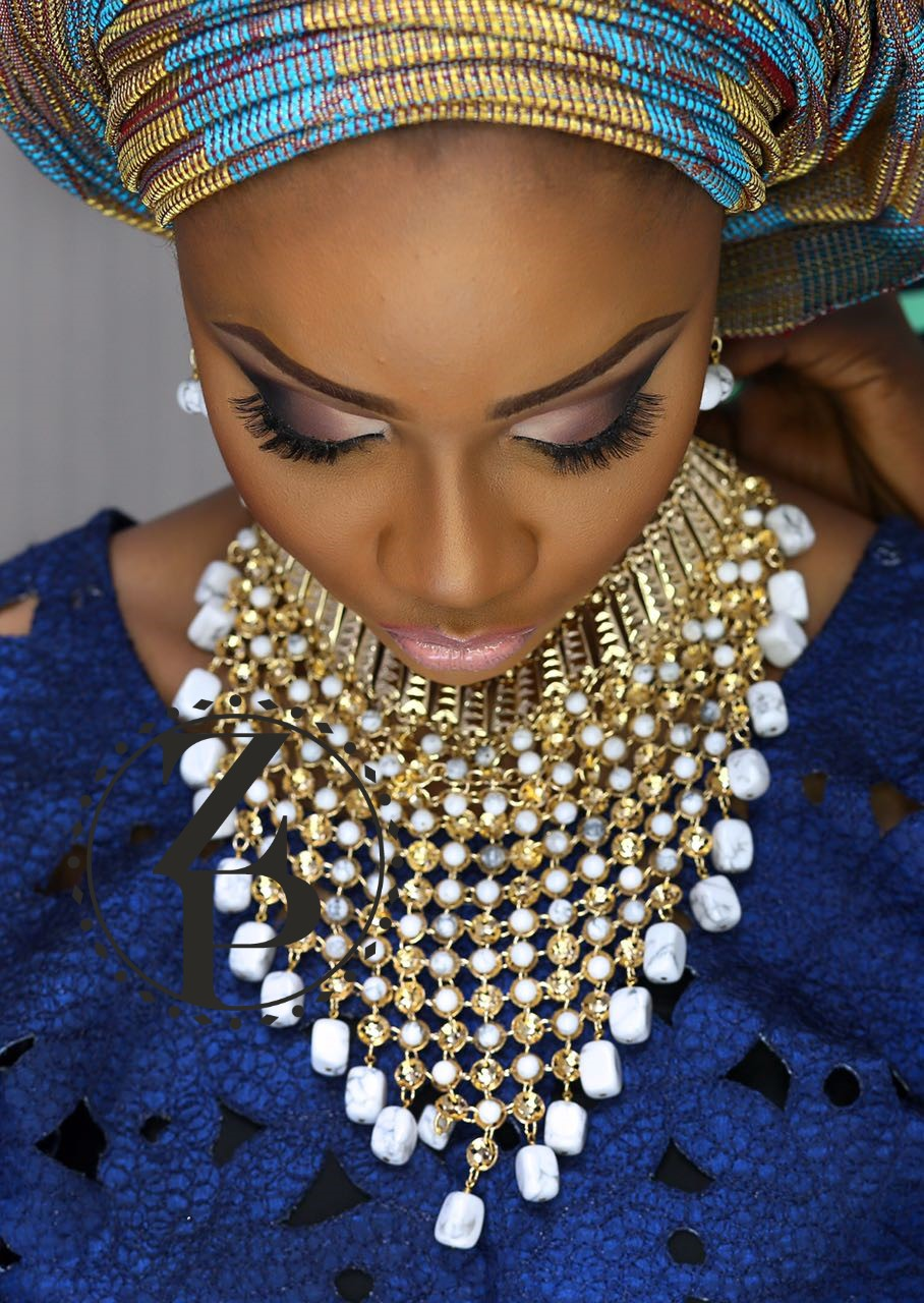 yoruba-bride-in-blue-aso-oke-nigerian-wedding-pearls-zuri-perle-photo-shoot.jpg