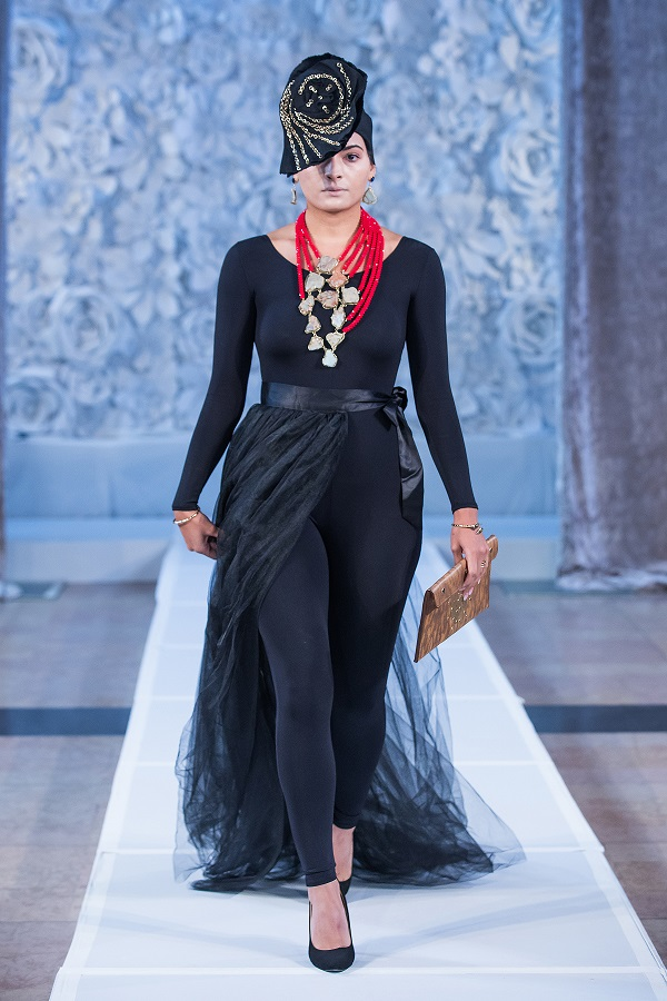 zuri-perle-at-kansas-city-fashion-week-model-10-wearing-handcrafted-african-inspired-accessories-made-in-dallas-texas.jpg