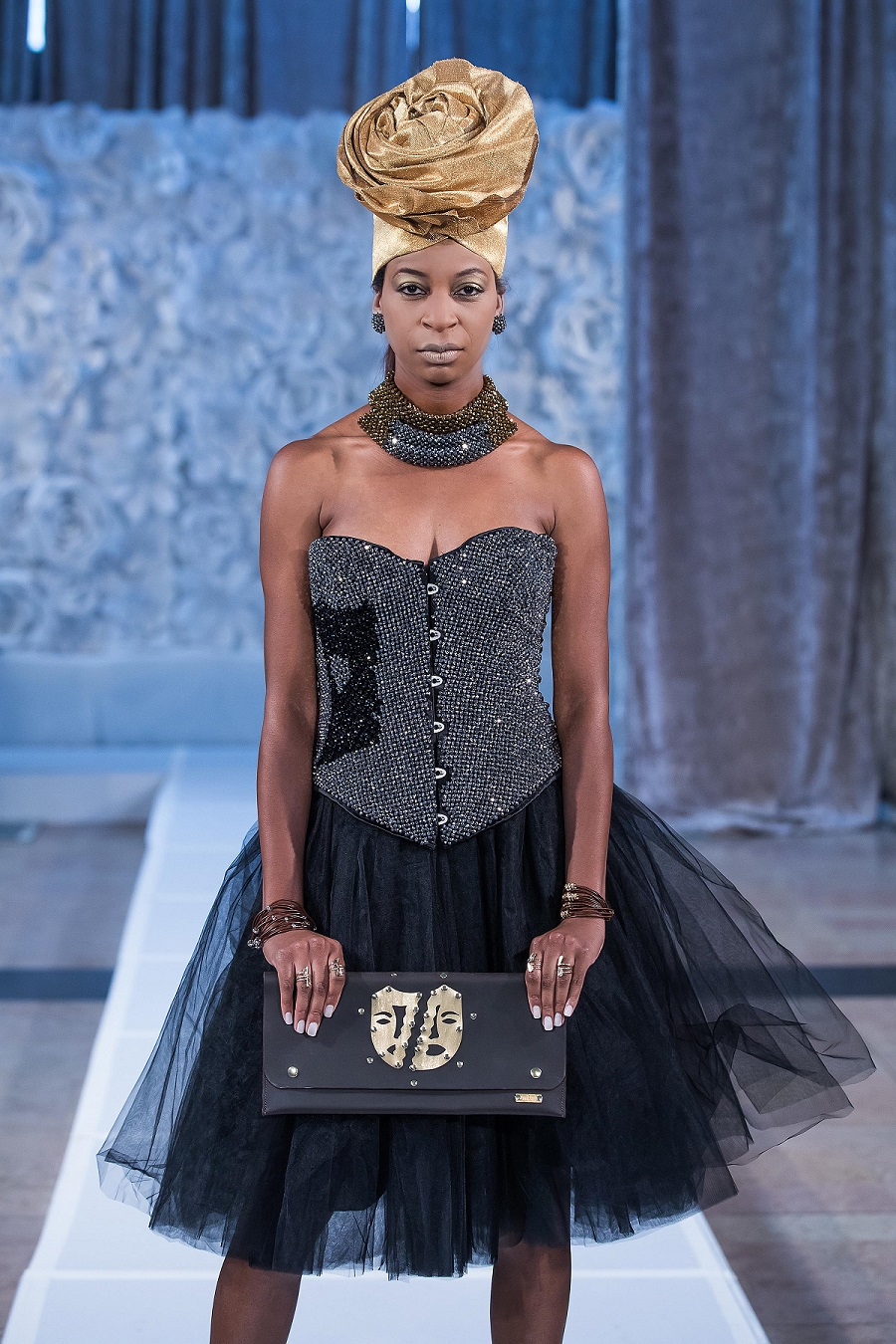 zuri-perle-at-kansas-city-fashion-week-model-12-wearing-handcrafted-african-inspired-accessories-made-in-dallas-texas.jpg