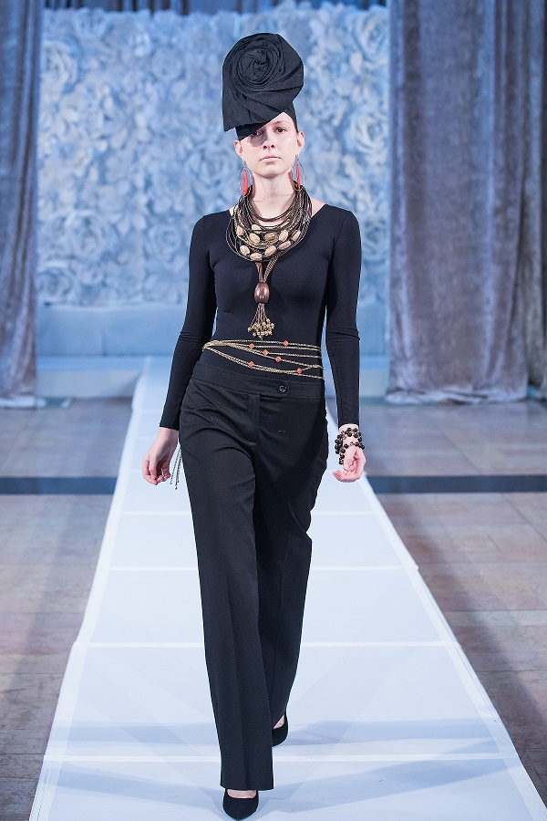 zuri-perle-at-kansas-city-fashion-week-model-2-wearing-handcrafted-african-inspired-accessories-made-in-dallas-texas.jpg