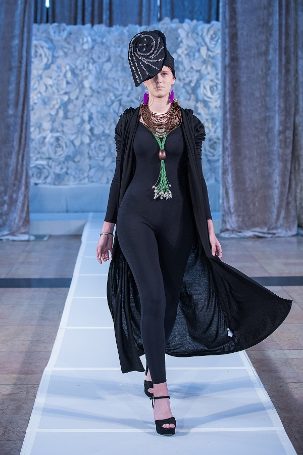zuri-perle-at-kansas-city-fashion-week-model-4-wearing-handcrafted-african-inspired-accessories-made-in-dallas-texas.jpg