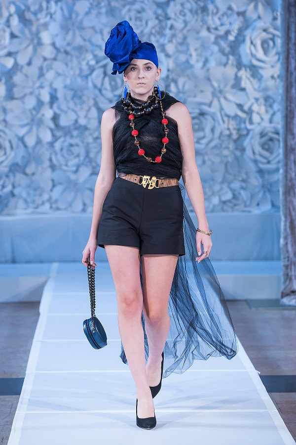 zuri-perle-at-kansas-city-fashion-week-model-6-wearing-handcrafted-african-inspired-accessories-made-in-dallas-texas.jpg