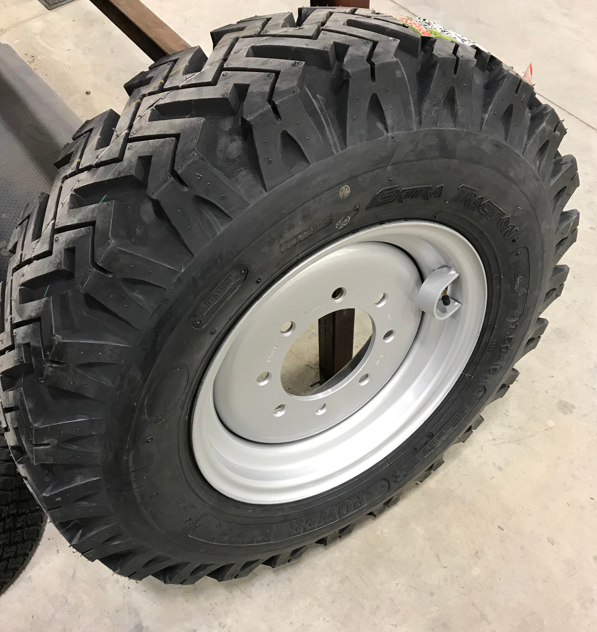 New 7.50 16 Snow Tire & Wheel Kits for Skid Loader replaces 10-16.5 12-16.5