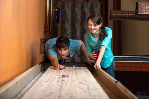 how-to-play-bar-shuffle-board.jpg