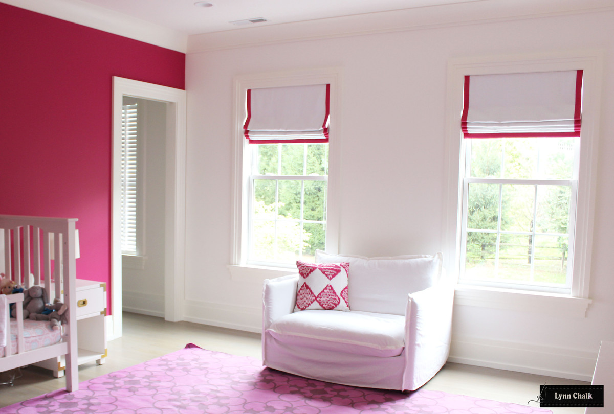Roman Shades White Linen With Trim On Sides And Bottom Shown In Samuel And Son Printemps Chevron Border Trim Fuchsia 977 52389 55