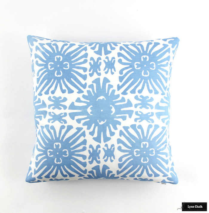Quadrille Sigourney Small Scale French Blue on White Pillow (18 X 18)