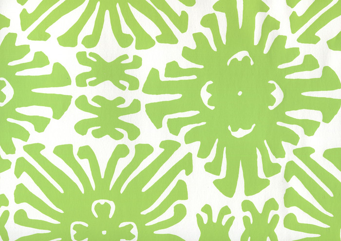Sigourney Small Scale Jungle Green on white 2475WP 02