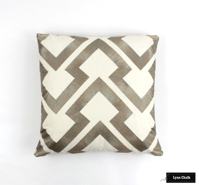 Pillow in Lightning Bolt in Antique 8014121 411 (20 X 20)