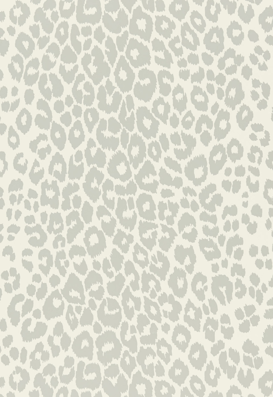 Iconic Leopard Wallcovering in Cloud
