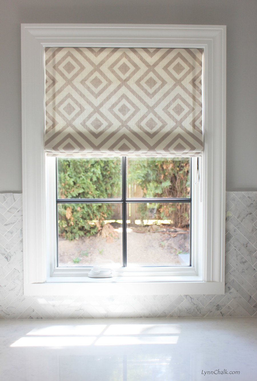 Roman Shade in La Fiorentina in Light Grey on Off White Background