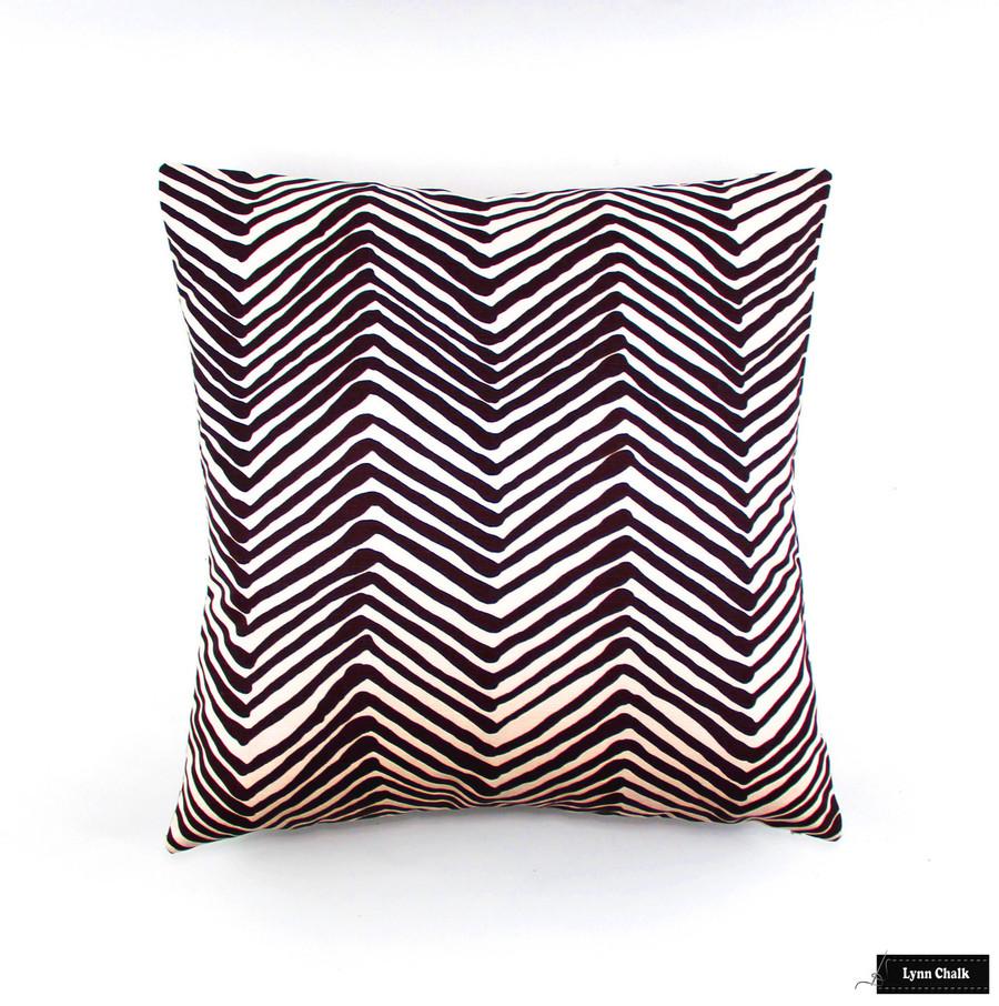 Pillow in Zig Zag in Brown (24 X 24)