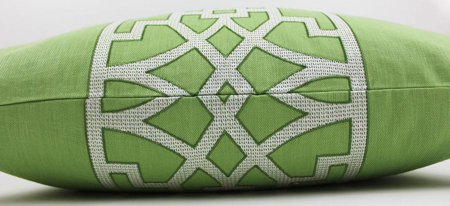 Close up of Custom Pillow Fret Design
