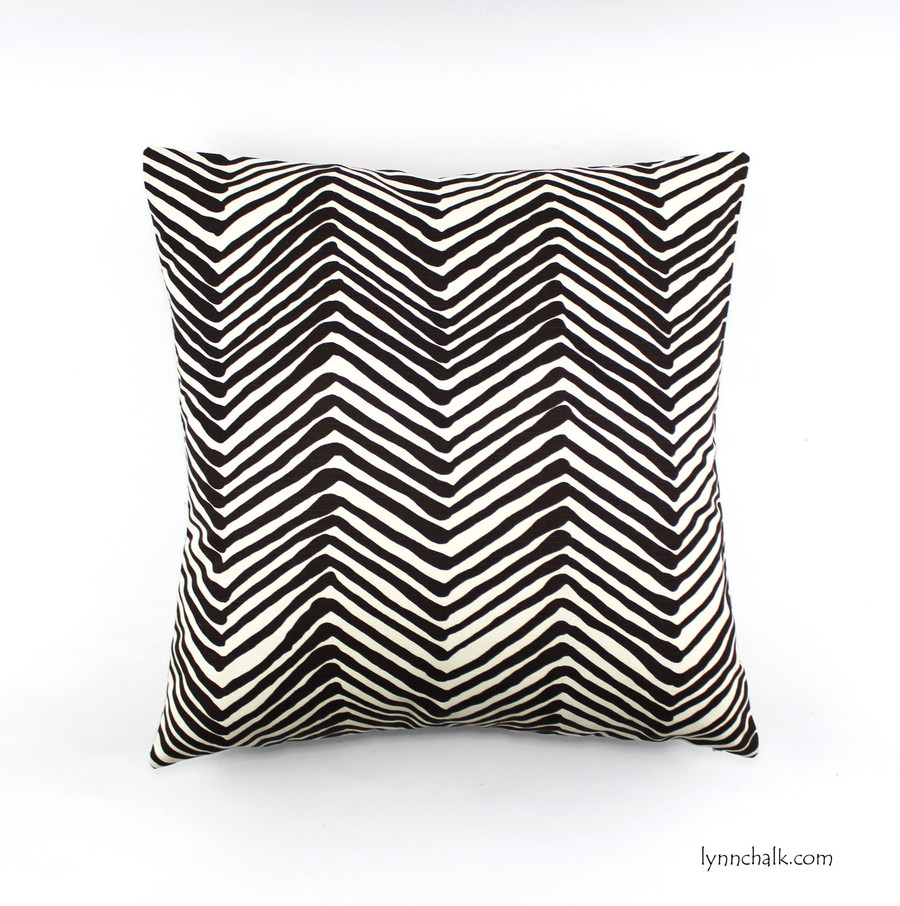 Pillow in Zig Zag in Brown (24 X 24)