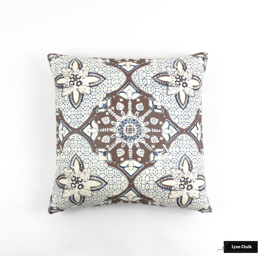 Quadrille New Batik New Brown New Navy Pillow 6430 07(22 X 22)