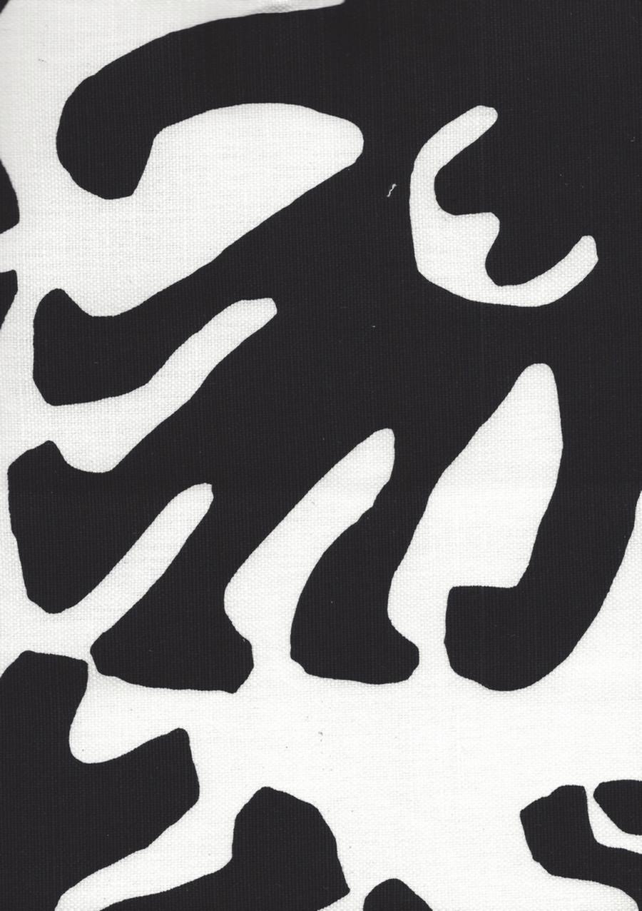Quadrille Sigourney Large Scale Fabric Black on White 2470 08